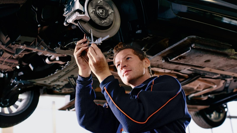 Ремонт и обслуживание легковых автомобилей.