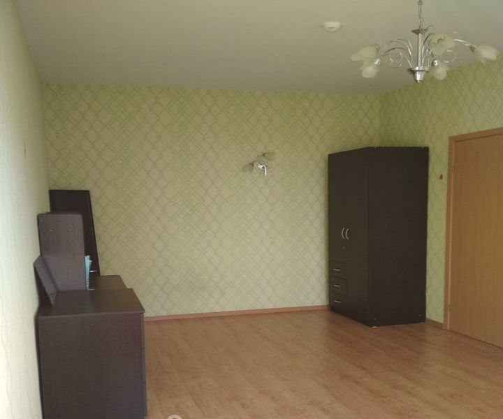 Сдается 1-к квартира в тихом районе.