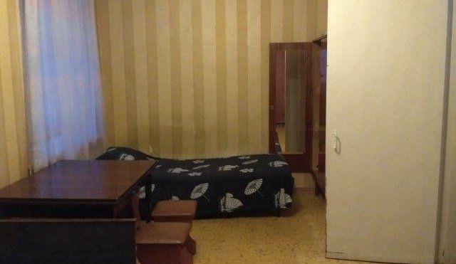 Сдается 1-к квартира в развитом благоустроенном районе.