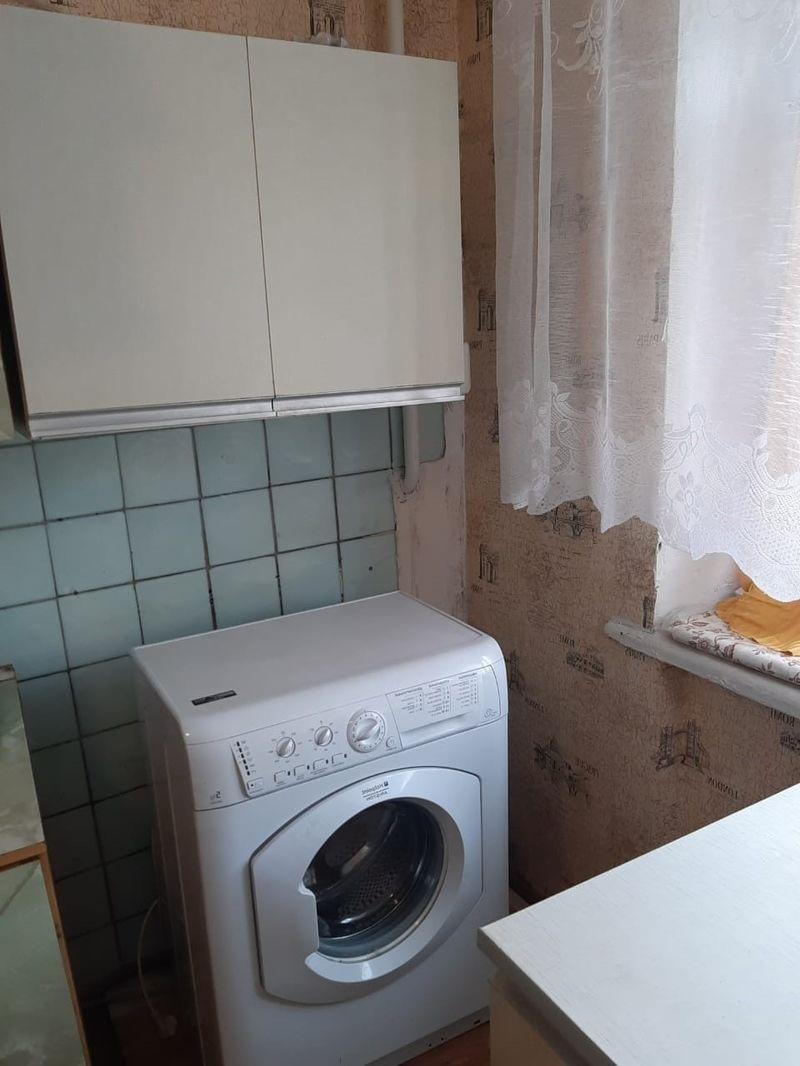 В квартире Продается комната.